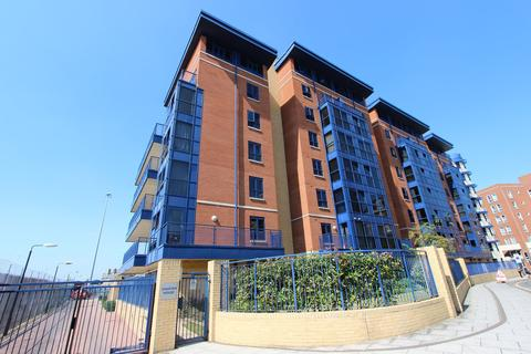 2 bedroom apartment for sale - Canute Road, Southampton, SO14