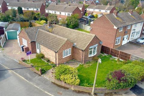 2 bedroom detached bungalow for sale - Peel Road, Chelmsford, Essex, CM2