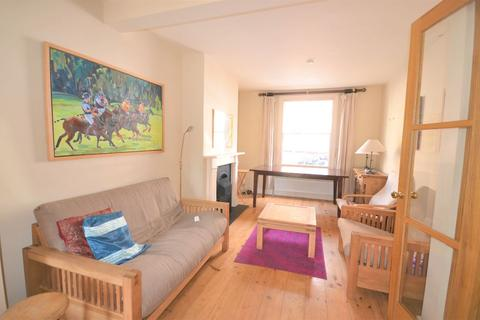 4 bedroom semi-detached house to rent - Woodfield Cres, Ealing