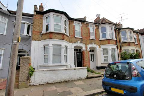 2 bedroom flat for sale - Southview Drive, Westcliff On Sea