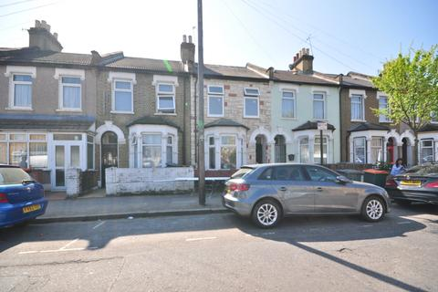 4 bedroom terraced house to rent - Wakefield Street East Ham E6