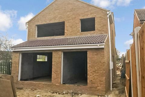 2 bedroom maisonette for sale - Boult Road, Laindon, Essex, SS15