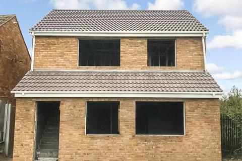 2 bedroom apartment for sale - Boult Road, Laindon, Essex, SS15