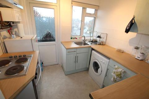 2 bedroom flat to rent - Melrose Avenue, Penylan - Cardiff