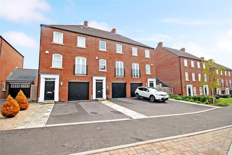 3 bedroom terraced house for sale - Cloatley Crescent, Royal Wootton Bassett, Wiltshire, SN4