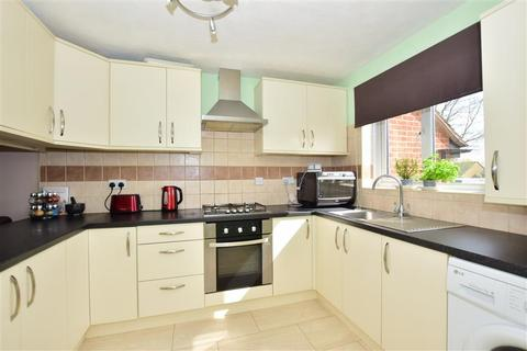 3 bedroom terraced house for sale - Bates Close, Larkfield, Aylesford, Kent