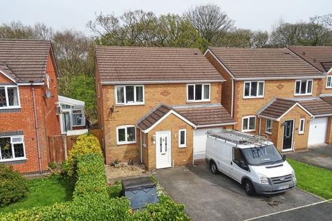 4 bedroom detached house for sale - Bluebell Close, Biddulph ST8 6TJ
