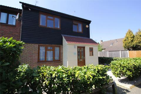 4 bedroom end of terrace house for sale - Holly Grove, Langdon Hills, Essex, SS16