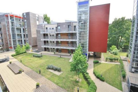 Studio to rent - Ashman Bank, Geoffrey Watling Way, Norwich