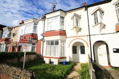 1 bedroom ground floor flat to rent - Branksome Road, Southend-On-Sea