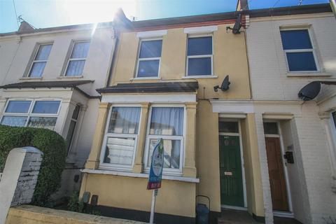 1 bedroom ground floor flat for sale - North Road, Westcliff-on-Sea