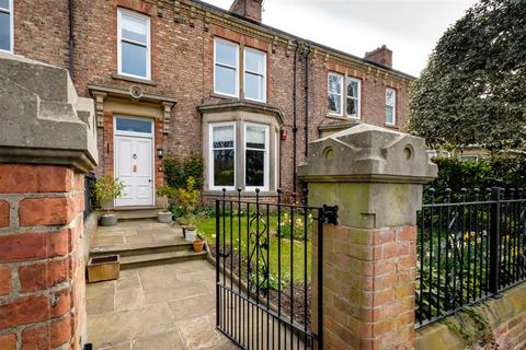 5 bedroom townhouse for sale - Stanhope Road South, Darlington
