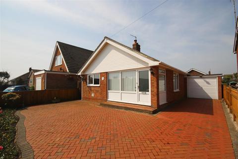 2 bedroom detached bungalow for sale - Edith Avenue North, Peacehaven