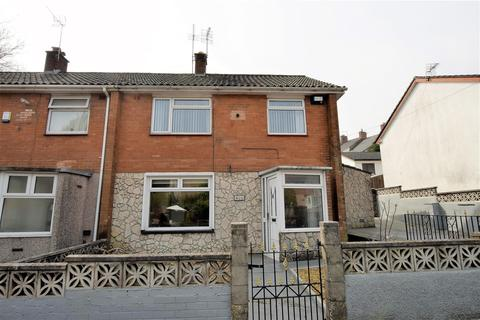 3 bedroom end of terrace house for sale - Gladstone Road, Barry