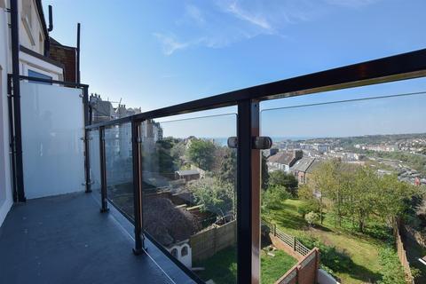 2 bedroom flat for sale - Plynlimmon Road, Hastings
