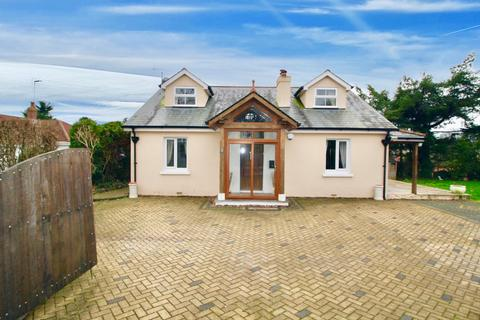 4 bedroom detached bungalow for sale - Cadewell Lane