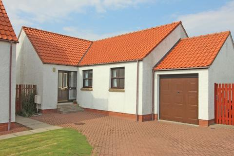 3 bedroom detached bungalow for sale - 20 Roman Court, Pathhead, EH37 5AH