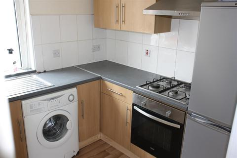 2 bedroom flat to rent - Corporation Road, Grangetown, Cardiff
