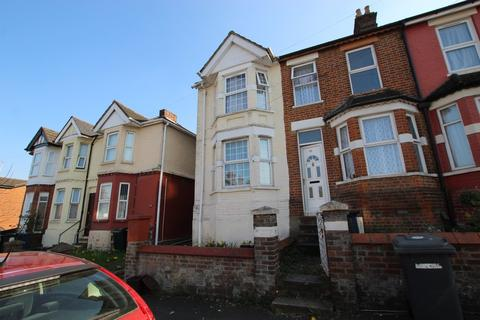 3 bedroom terraced house to rent - Dashwood Avenue