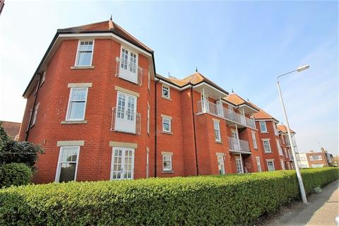 2 bedroom flat for sale - Thoroughgood Road, Clacton on Sea