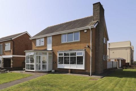 3 bedroom detached house for sale - Clifton Drive, Blackpool