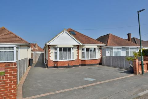 3 bedroom chalet for sale - Kingswell Road, Bournemouth, Dorset, BH10 5DN