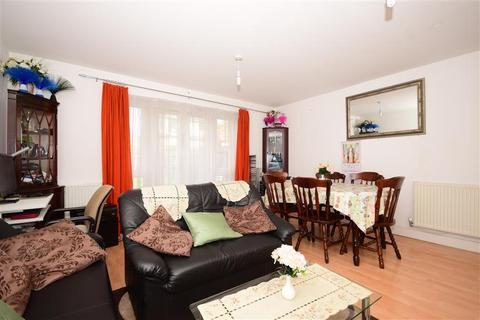 3 bedroom terraced house for sale - Norwich Crescent, Chadwell Heath, Essex