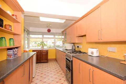 2 bedroom semi-detached bungalow for sale - The Avenue, Hornchurch, Essex