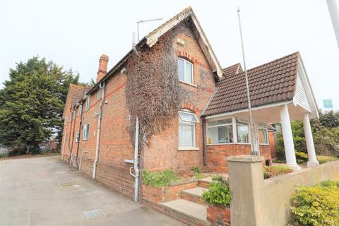 House share to rent -  Goldington Road,  Bedford, MK41