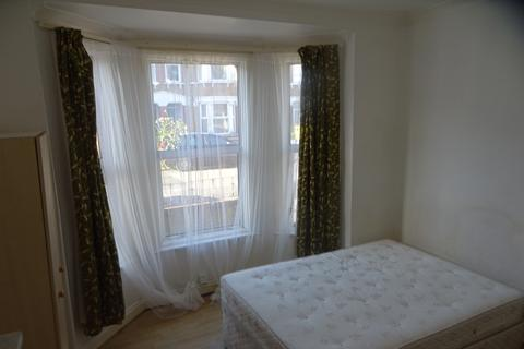 1 bedroom house share to rent - Crowther Road, South Norwood SE25