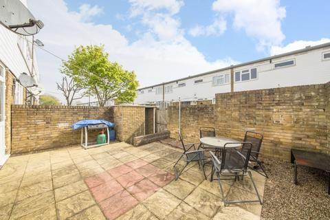 2 bedroom terraced house for sale - Bircham Path London SE4