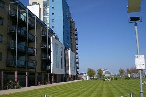 2 bedroom flat to rent - Flatholm, Prospect Place, Cardiff Bay, CF11 0JB