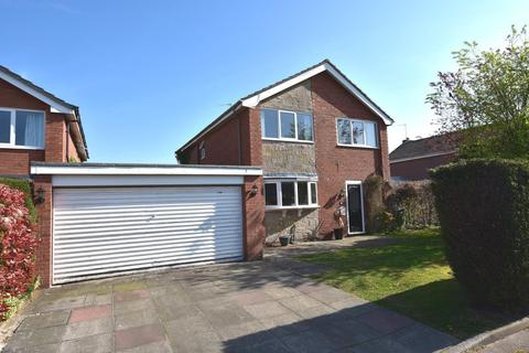 4 bedroom detached house for sale - Padstow Drive, Bramhall, SK7