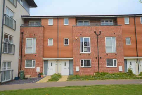 4 bedroom terraced house to rent - Bletchley