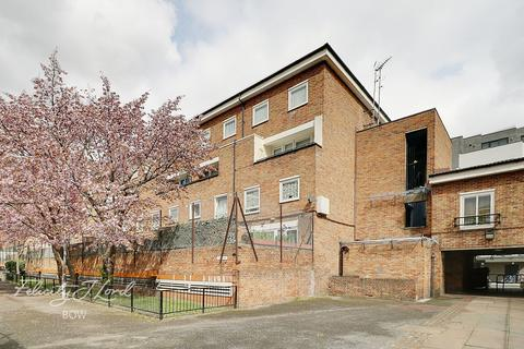 3 bedroom flat for sale - Bow Common Lane, London
