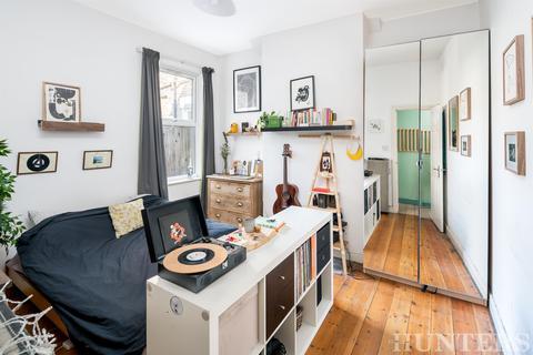 2 bedroom ground floor maisonette for sale - Stamford Road, London, N15