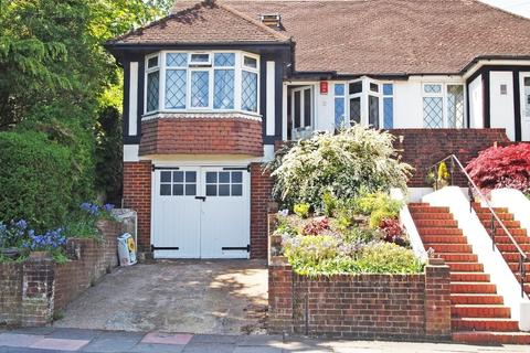 4 bedroom semi-detached house for sale - Eldred Avenue, Brighton, East Sussex, BN1