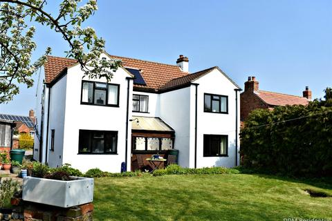 4 bedroom detached house for sale - Occupation Lane, North Kelsey, `, LN7
