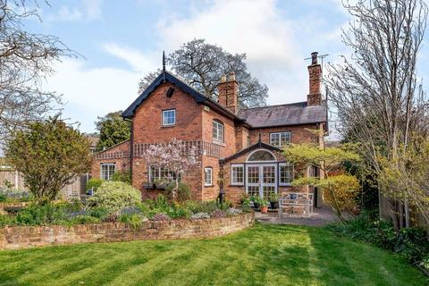 3 bedroom detached house for sale - Tattenhall, Nr. Chester