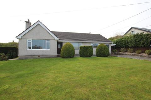 4 bedroom detached bungalow for sale - Benllech, Anglesey