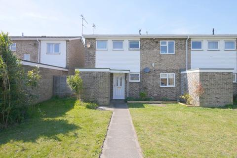 1 bedroom ground floor flat for sale - Burnham Way, Lowestoft