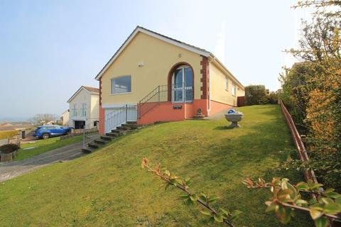 2 bedroom detached bungalow for sale - Glan Y Don Parc, Amlwch