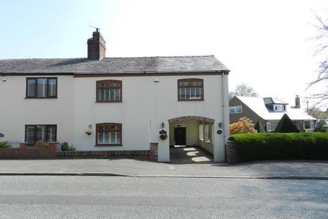 3 bedroom semi-detached house for sale - Warrington road, Glazebury, Warrington, Cheshire, WA3 5LJ