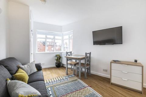 1 bedroom apartment to rent - STUNNING SPACIOUS STUDIO APARTMENT - Argie Avenue, Leeds