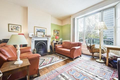 4 bedroom semi-detached house for sale - Wellington Way, London E3