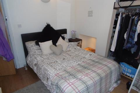5 bedroom flat to rent - Colum Road, Cathays, Cardiff
