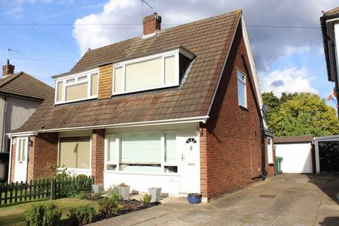 2 bedroom semi-detached house to rent - Nursery Gardens, Staines-Upon-Thames
