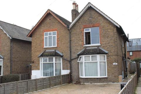 3 bedroom semi-detached house to rent - The Grove, Egham