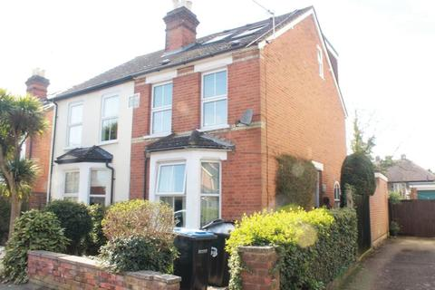 6 bedroom semi-detached house to rent - 6 Double Beds near back gate - Clarence Street