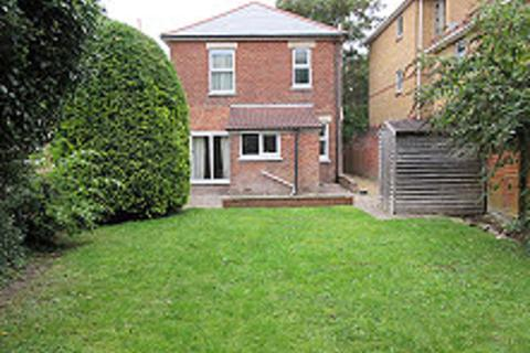 4 bedroom detached house to rent - Moorfield Grove, Bournemouth